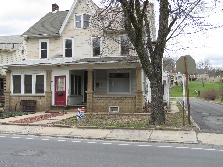 853 Delaware Ave, Palmerton, PA 18071