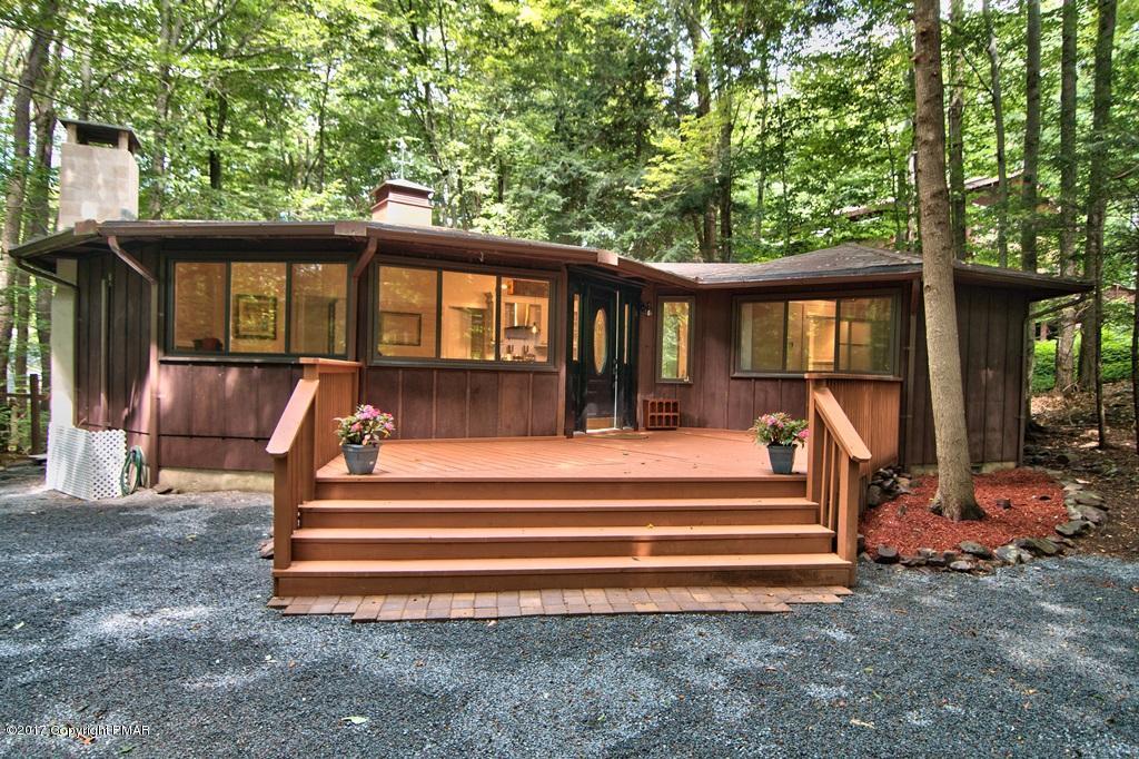 2260 White Oak Trail, Pocono Pines, PA 18350