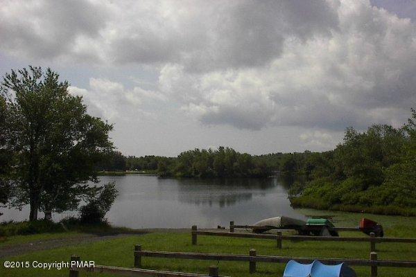 155 Tumbleweed Dr, Long Pond, PA 18334