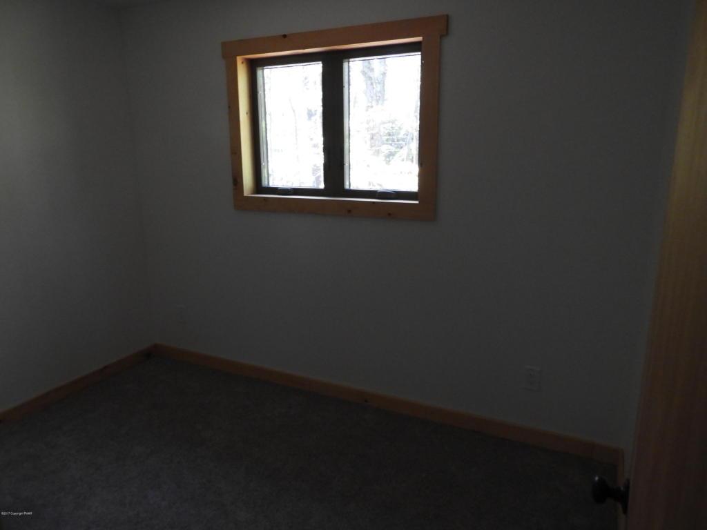 155 Ottawa Trl, Pocono Lake, PA 18347