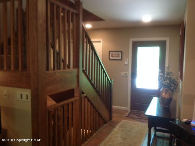 9 Woods End, Lake Harmony, PA 18624