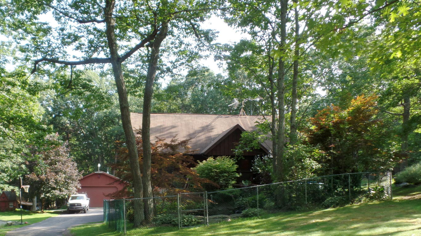 416 Iroquois Loop, Canadensis, PA 18325