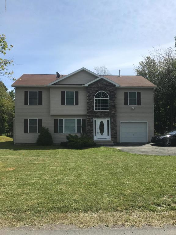 1105 Sunside Rd, Long Pond, PA 18334