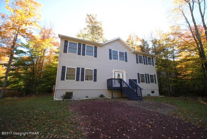 147 Safro Ct, Pocono Lake, PA 18347