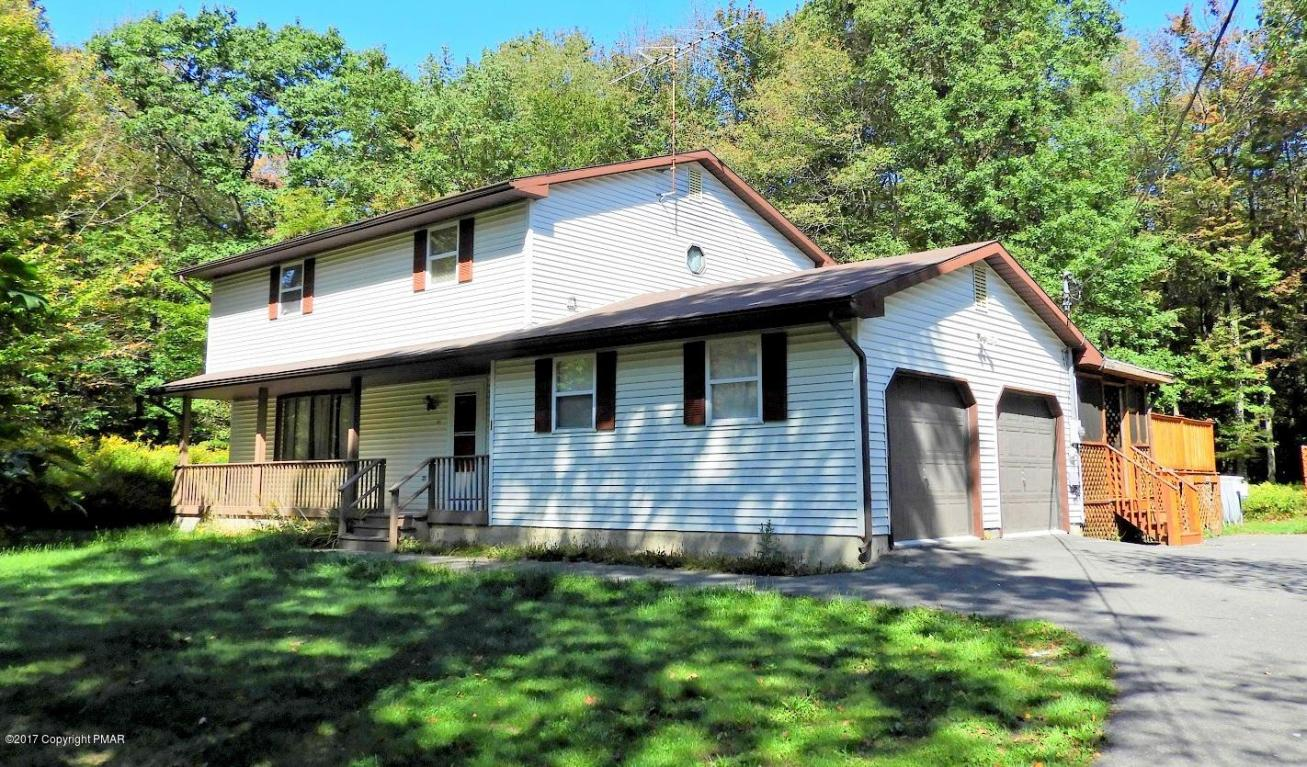 411 Tranquility Ct, Long Pond, PA 18334