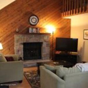 169 Ridge Rd, Pocono Lake, PA 18347