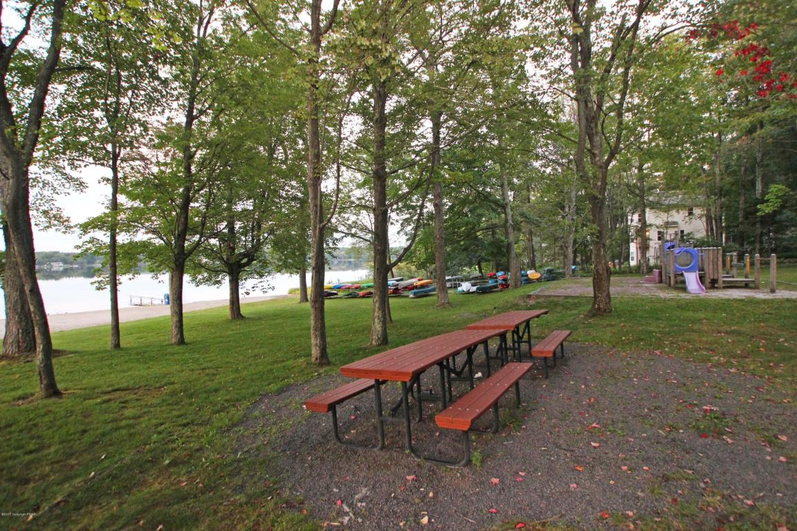 273 Depuy Dr, Pocono Lake, PA 18347