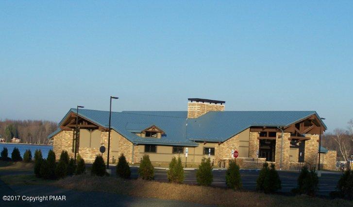104 Mineola Cir, Pocono Lake, PA 18347