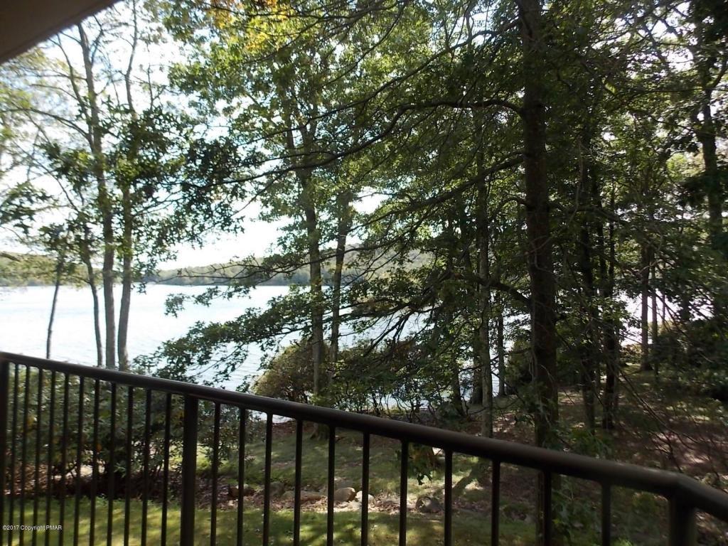 5 Midlake Drive, Lake Harmony, PA 18624