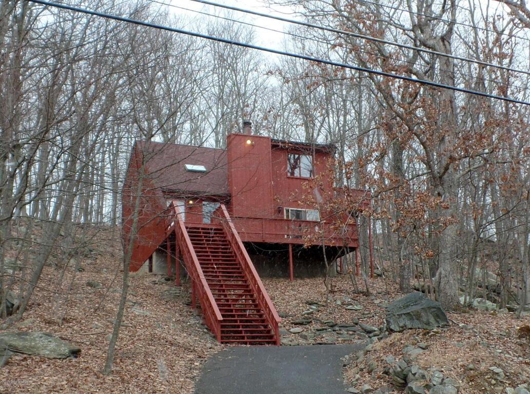 6067 Decker Rd, Bushkill, PA 18324