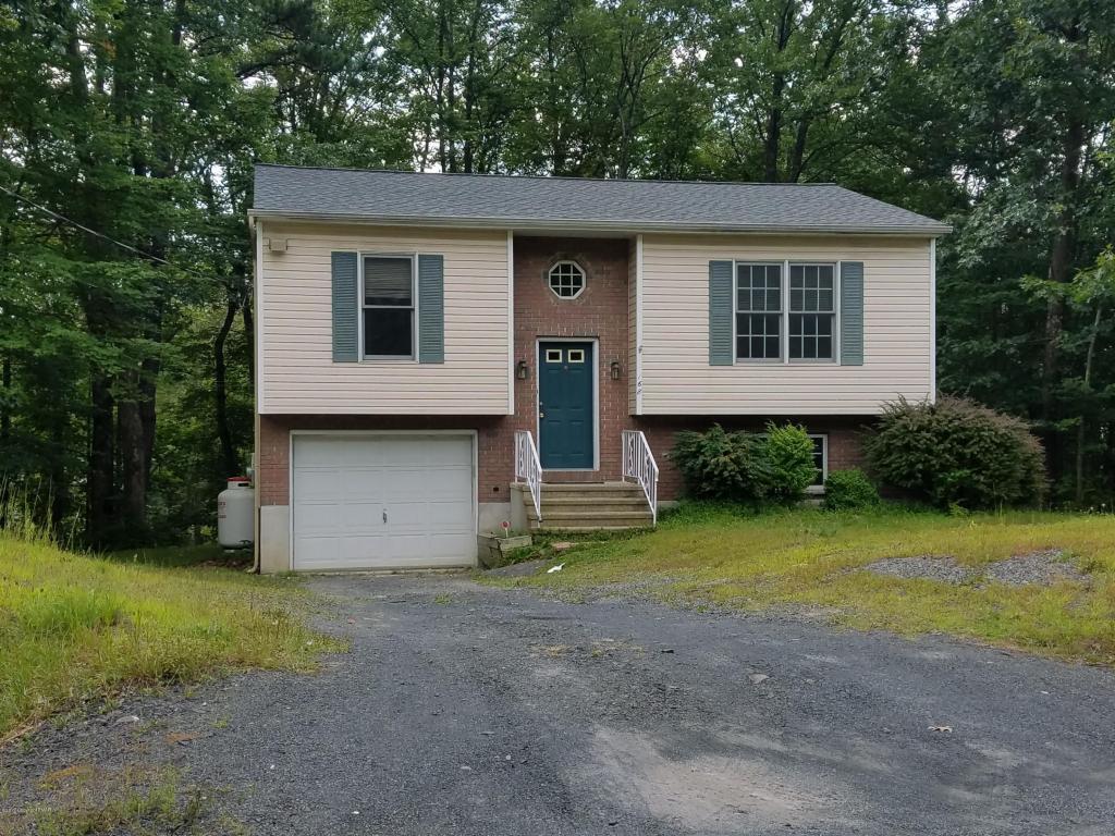 3104 Whitby Ct, Bushkill, PA 18324