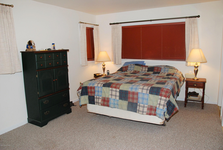226 Tanglewood Dr, Pocono Pines, PA 18350