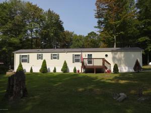 117 Woodchuck Ln, Gouldsboro, PA 18424