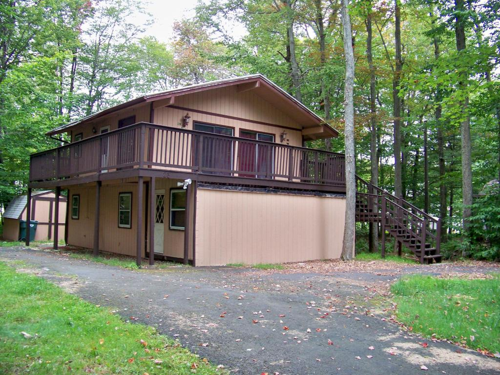 406 Sunnyfield Ter, Tobyhanna, PA 18466