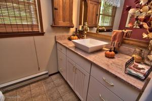 133 Lower Seese Hill Rd, Canadensis, PA 18325