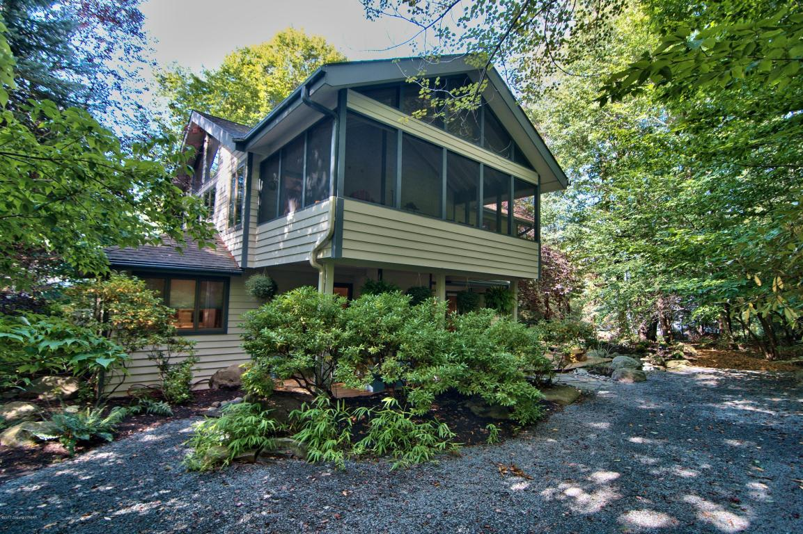 109 Winding Hill Rd, Pocono Pines, PA 18350