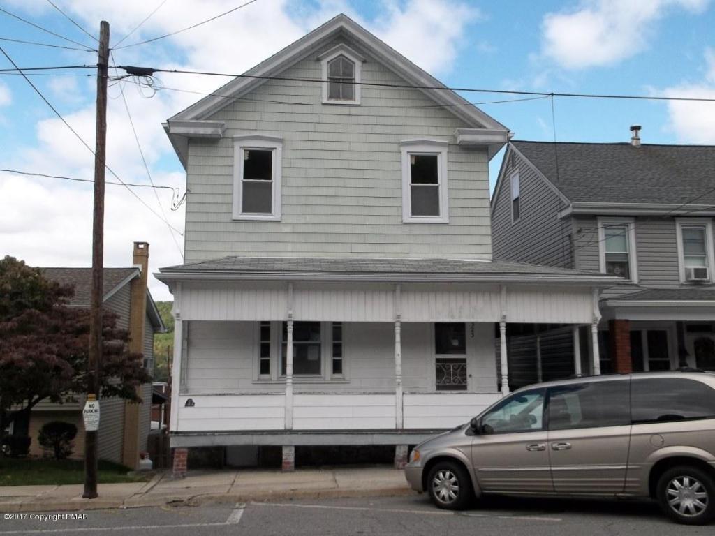323 W Abbott St, Lansford, PA 18232