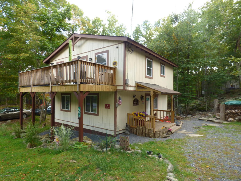 6114 Decker Rd, Bushkill, PA 18324