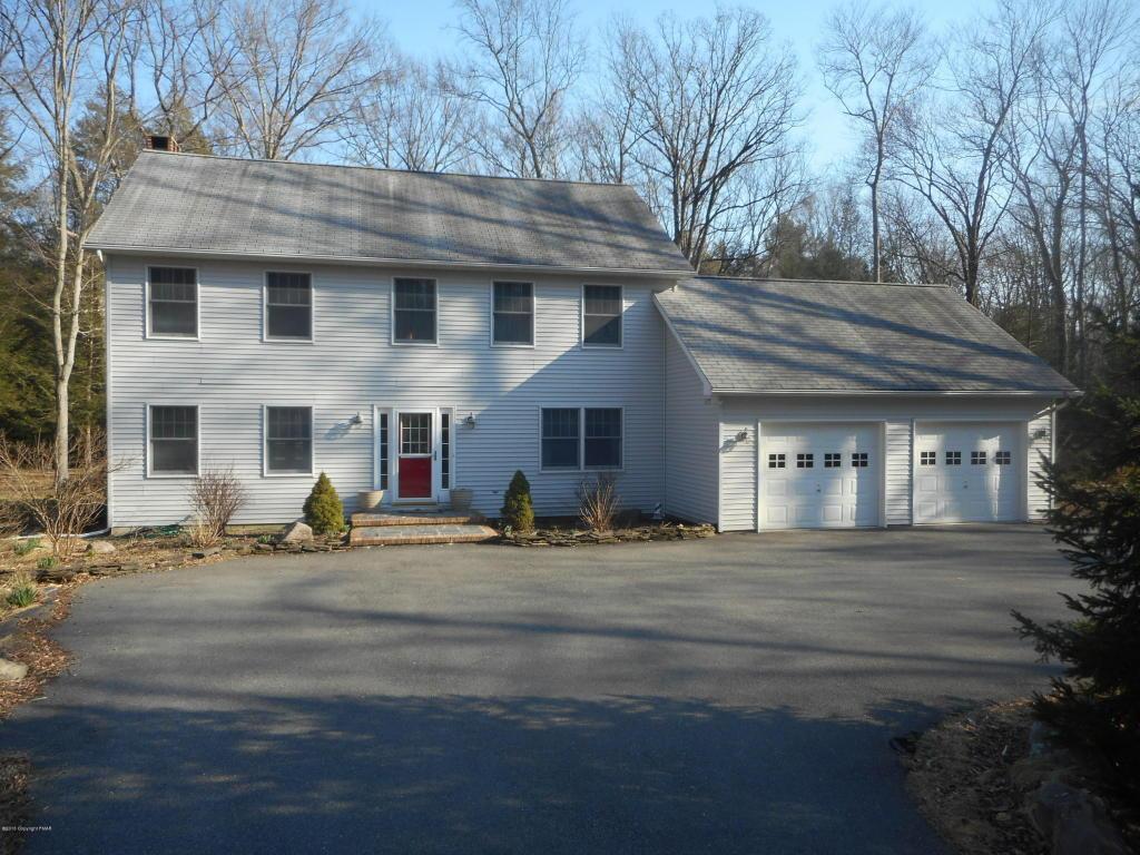 225 Edwin Ln, Stroudsburg, PA 18360