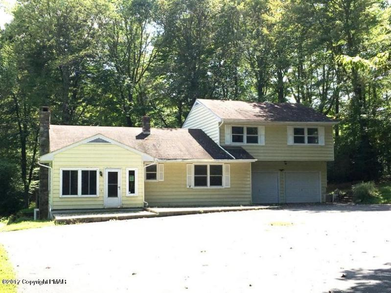 414 Long Rd, Canadensis, PA 18325