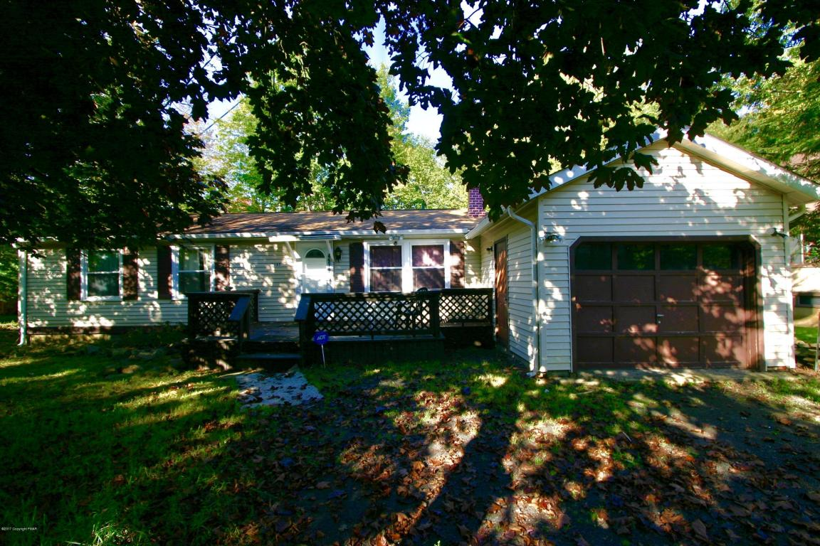 4579 Briarcliff Ter, Tobyhanna, PA 18466