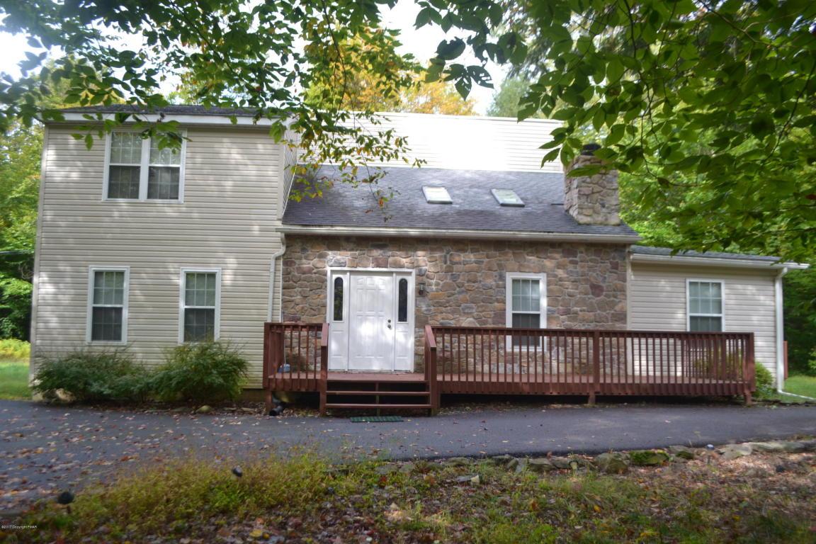 422 Maxatawny Dr, Pocono Lake, PA 18347