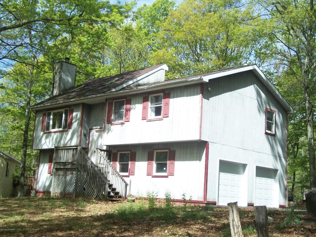 21 Hilltop Cir, East Stroudsburg, PA 18302