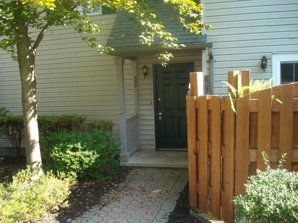 509 Walnut Grove Rd, East Stroudsburg, PA 18301