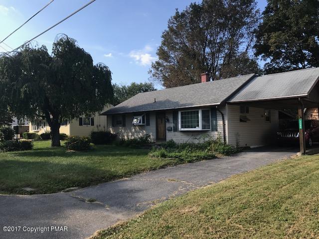 1724 Honeysuckle Ln, Stroudsburg, PA 18360