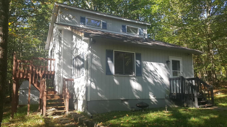 406 Whipporwill Drive, Bushkill, PA 18324