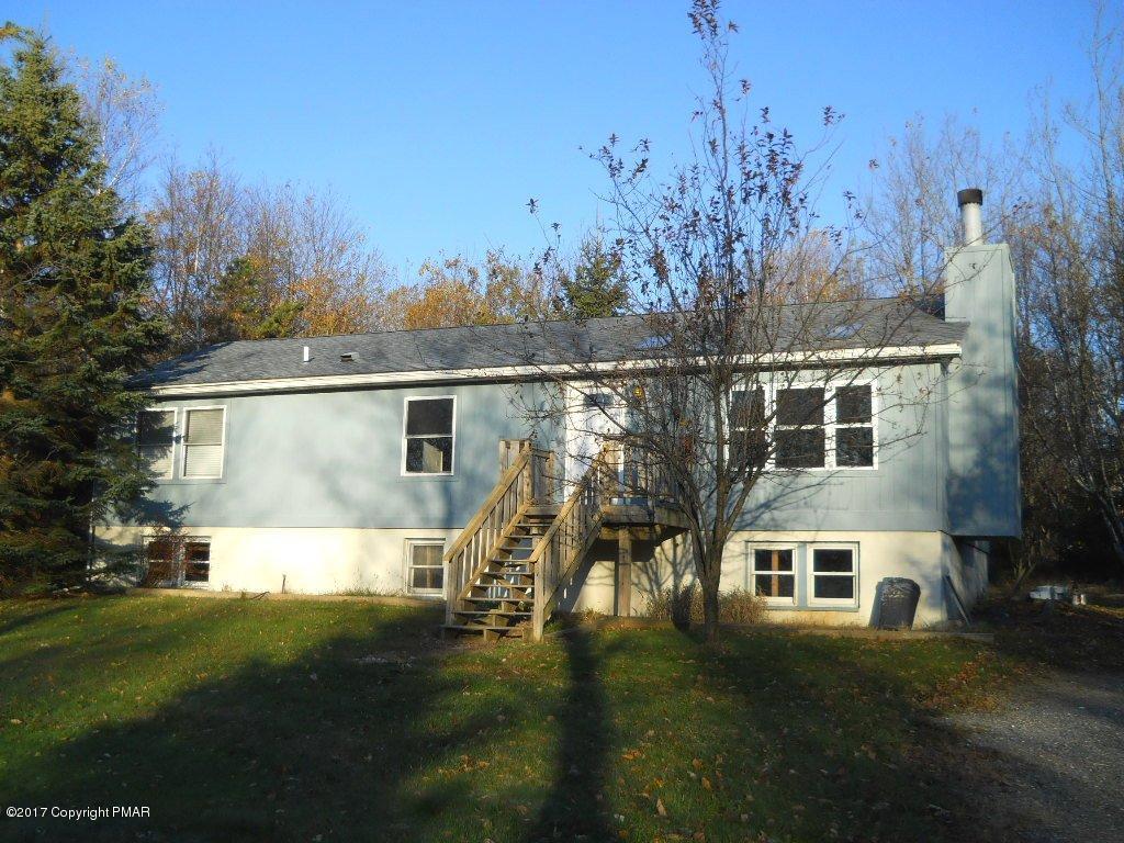 213 Lamsden Dr, Albrightsville, PA 18210