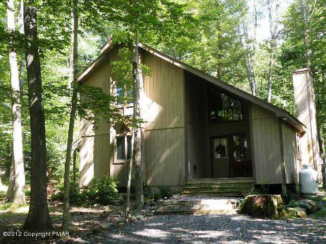138 Elk Run Road, Pocono Lake, PA 18347