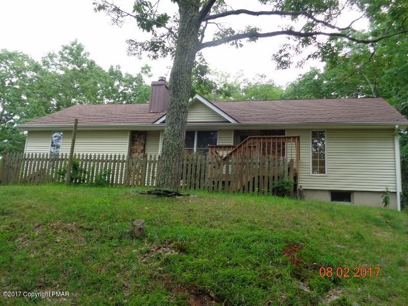 102 Bushkill Ln, Milford, PA 18337
