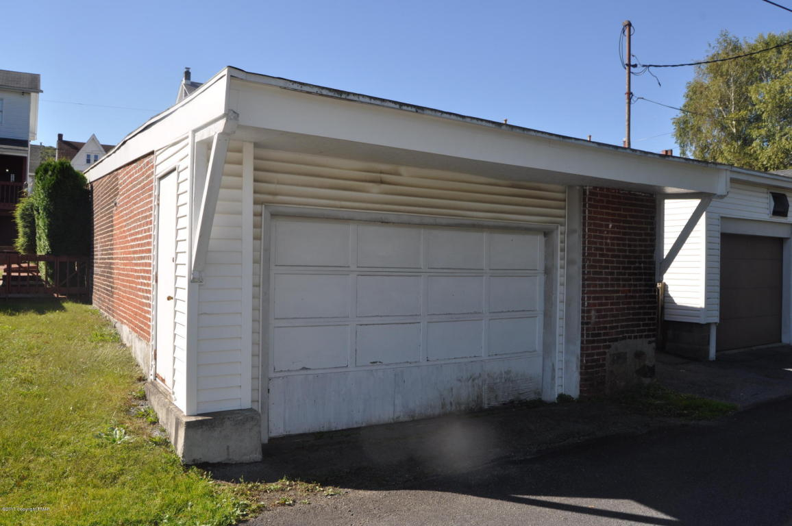 216 Center Rear Ave, Jim Thorpe, PA 18229