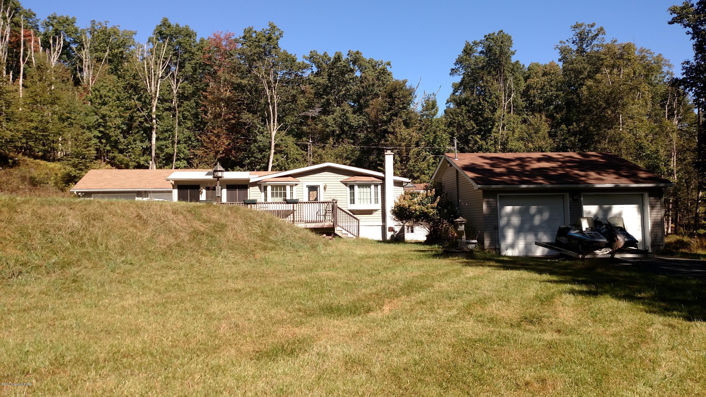 159 Rock Ledge Drive, Cresco, PA 18326