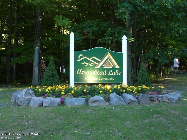 130 Oneida Dr, Pocono Lake, PA 18347