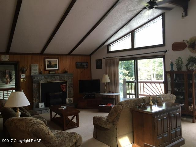 55 Keats Ln, Albrightsville, PA 18210