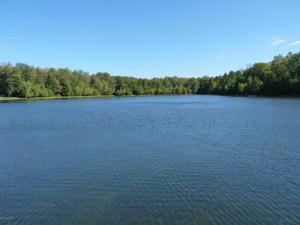 625 Sir Gawain Court, Pocono Lake, PA 18347