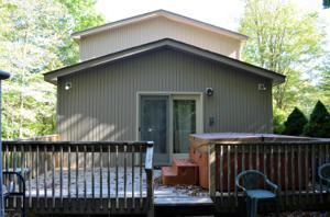 104 Totem Trl, Pocono Lake, PA 18347