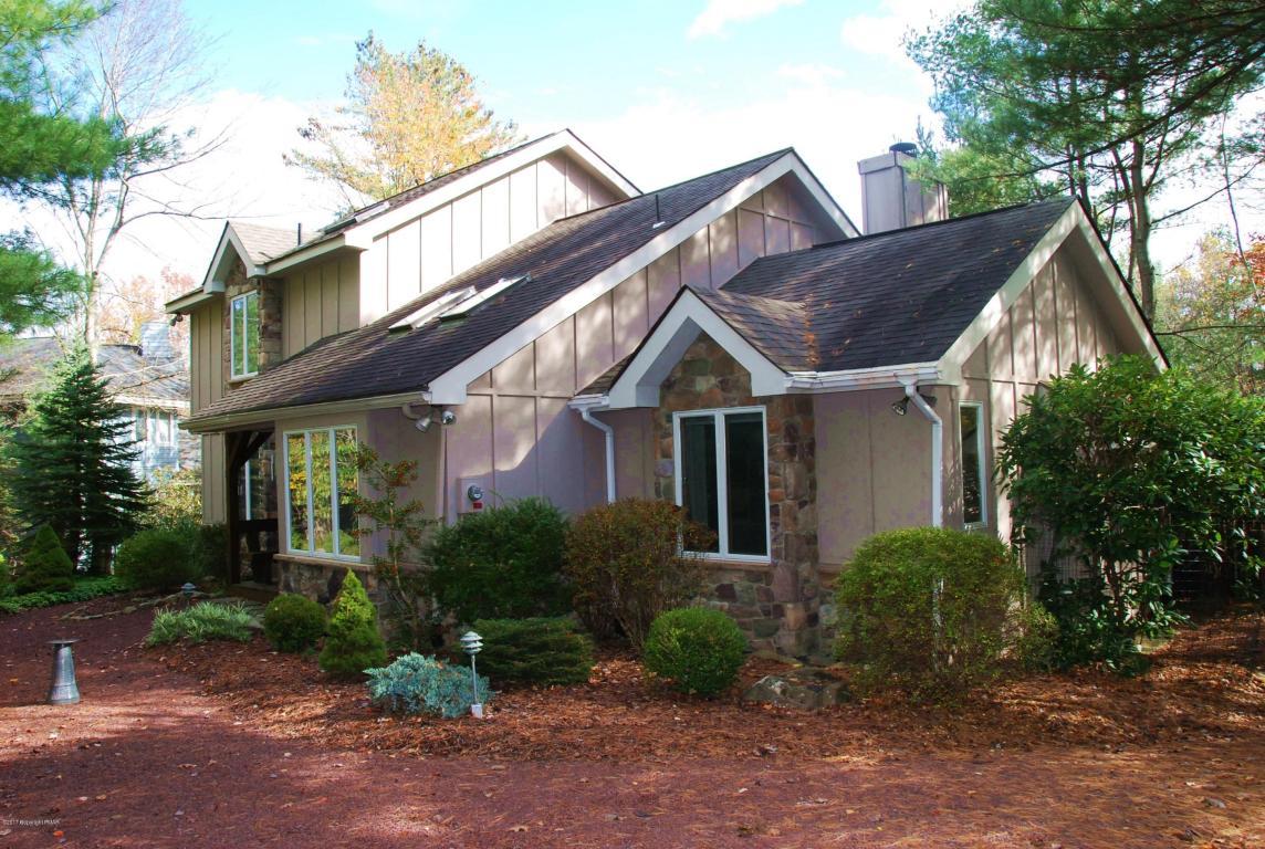 6104 Lakeview Dr, Pocono Pines, PA 18350