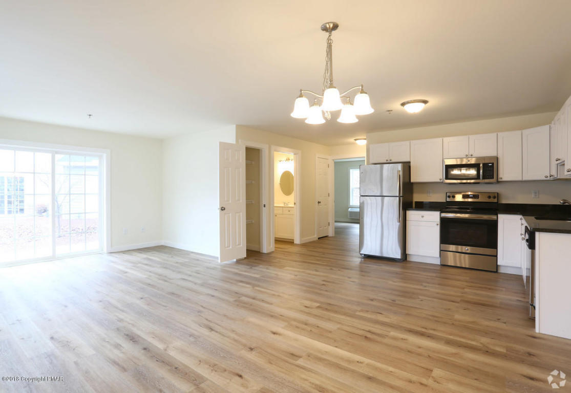 1950 Route 611 Rte, Swiftwater, PA 18370