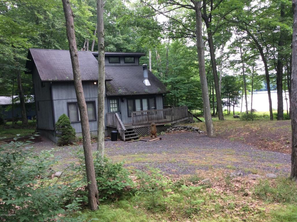 107 Lc Larson Dr, Pocono Lake, PA 18347