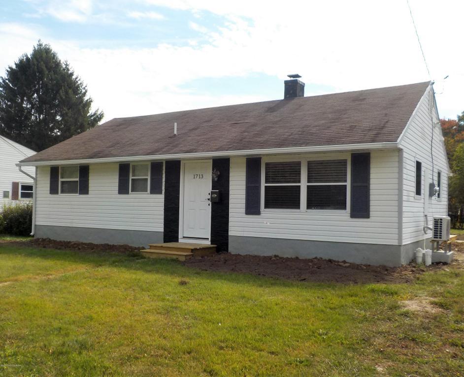 1713 Honeysuckle Ln, Stroudsburg, PA 18360