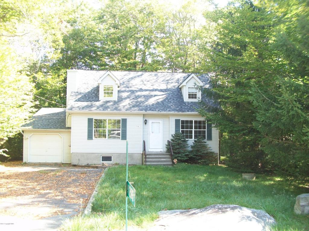1290 Winding Way, Tobyhanna, PA 18466