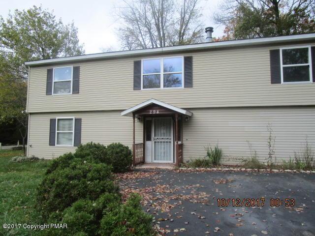 8372 Garden Dr, Tobyhanna, PA 18466