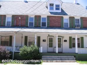 121 N 1st St, Stroudsburg, PA 18360