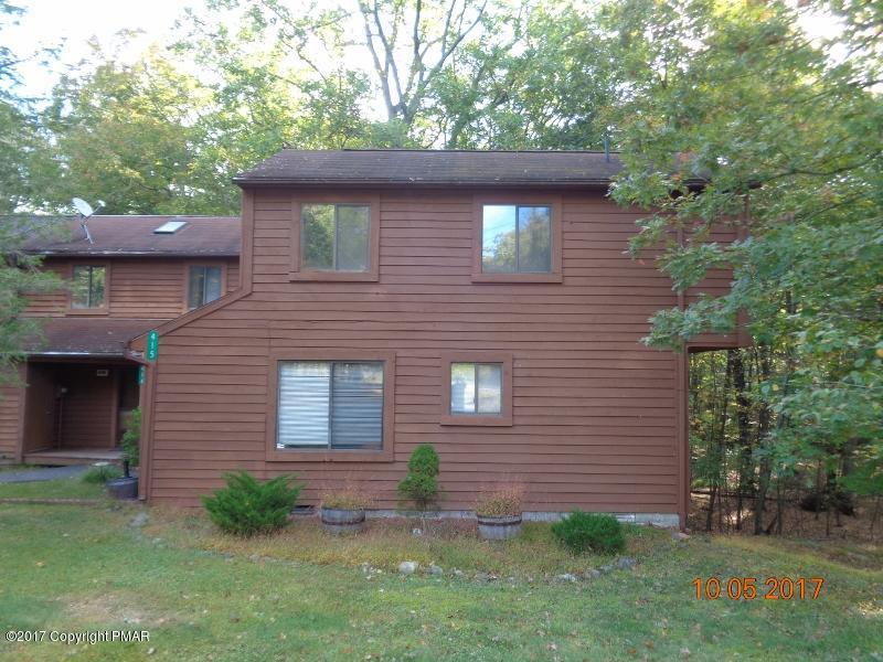 415 Tudor Ct, Bushkill, PA 18324