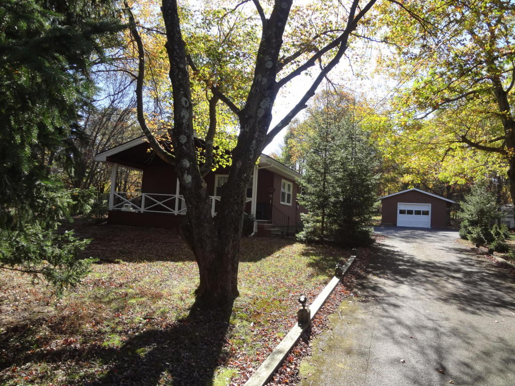 404 Mountain Rd, Albrightsville, PA 18210