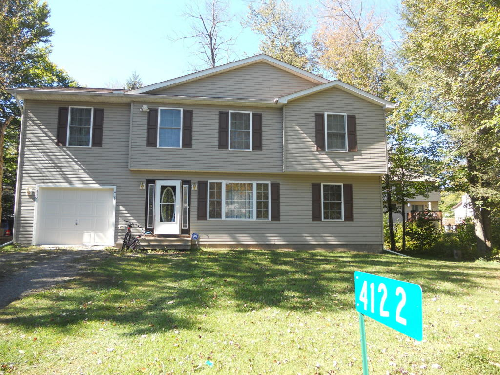 4122 Indian Ave, Tobyhanna, PA 18466