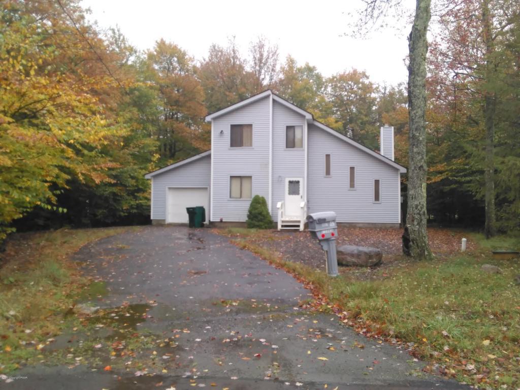 9197 Buttonwood Ct, Tobyhanna, PA 18466